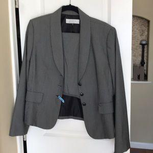 Sz 12 Tahari Skirt Suit
